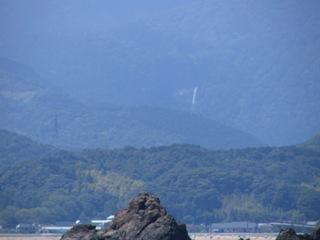 海から那智滝.JPG